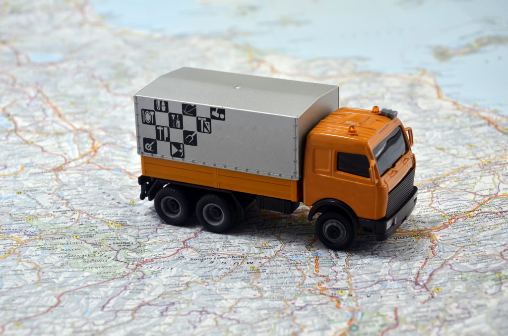 truck app like Uber helps to track fleet in real-time