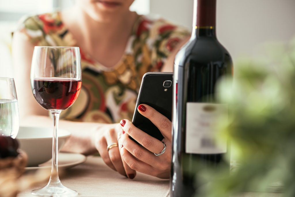 how to create on-demand alcohol delivery app