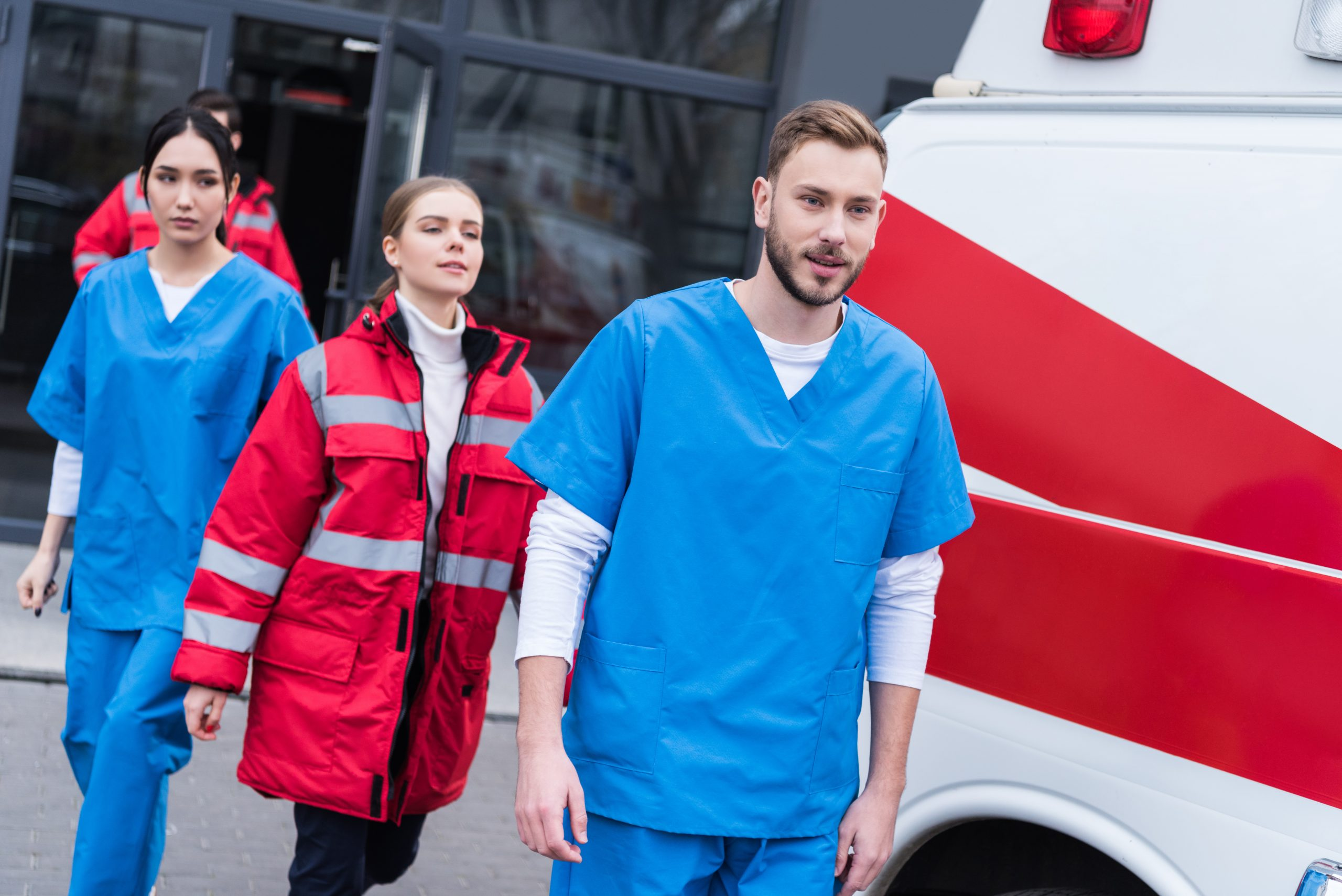 ambulance paramedic team